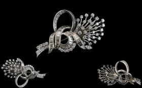 Art Deco Period - Stunning Quality 18ct White Gold Baguette and Round Brilliant Cut Diamond Brooch,