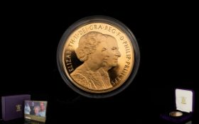 Royal Mint Ltd and Numbered 2007 United Kingdom 22ct Gold Proof Struck Diamond Wedding Five Pounds