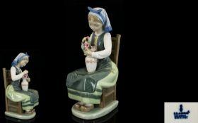 Lladro - Porcelain Figurine ' Flower Har