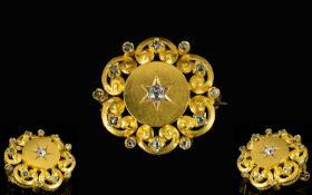 Antique Period - Attractive 18ct Gold Di