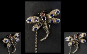 Antique Period - Attractive and Realistic 14ct White Gold Dragonfly Brooch,