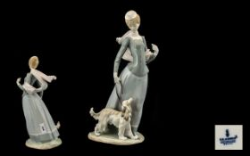 Lladro - Large and Impressive Porcelain Figure ' Lady with Shawl ' Model No 4914.