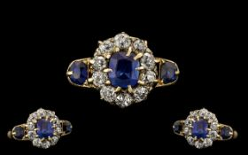 18ct Gold Attractive Sapphire & Diamond Cluster Ring Flower head design. Marked 18ct. The