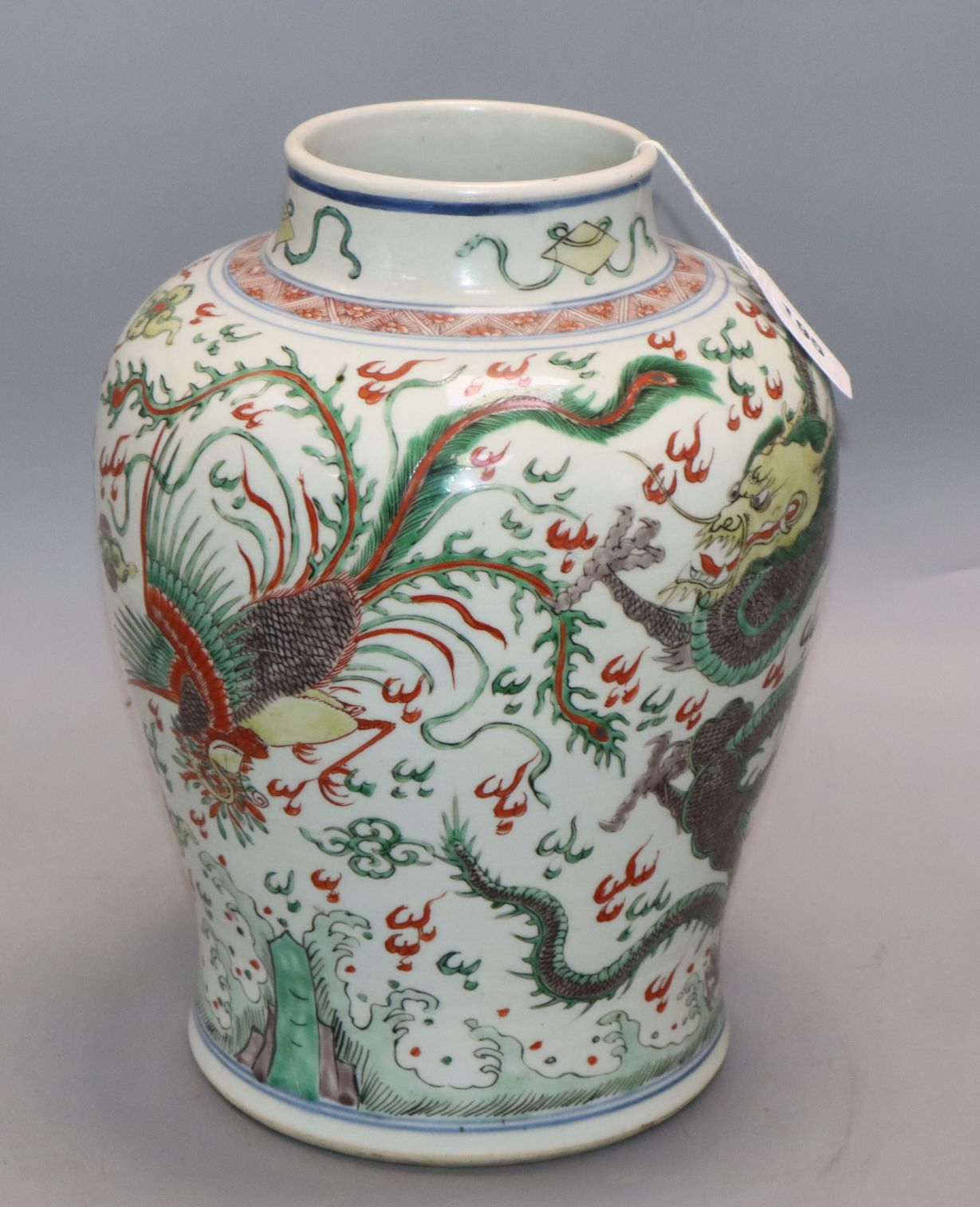 Lot 195 - A large Chinese Kangxi period wucai vase