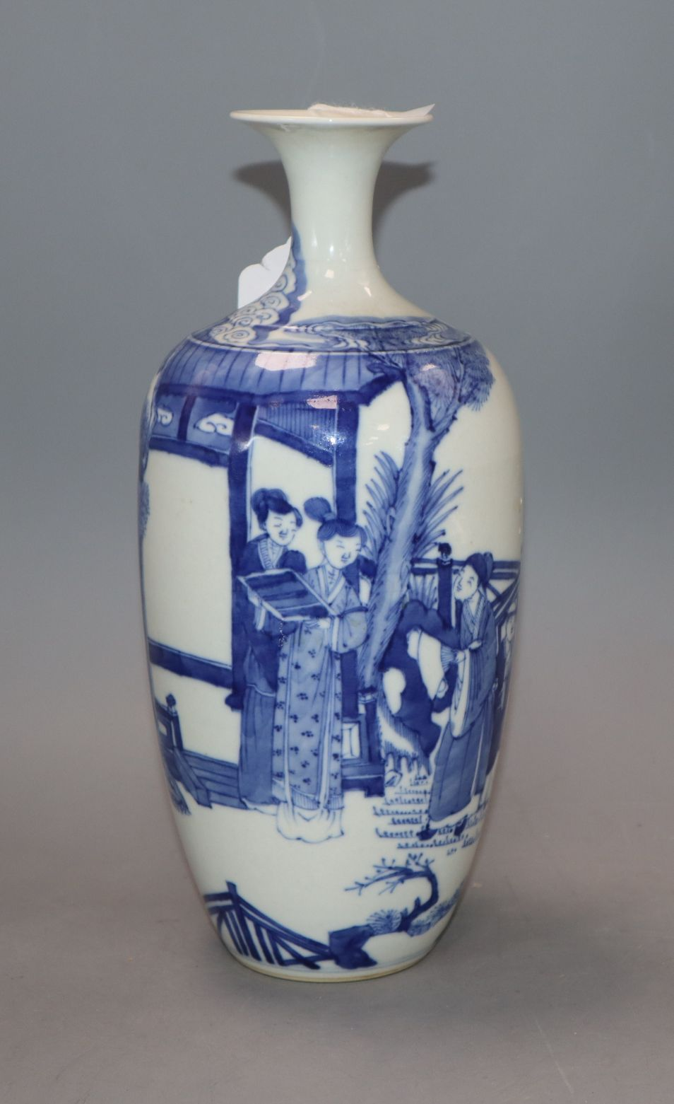 Lot 234 - A Chinese blue and white vase, Guangxu period
