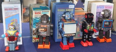 A Japanese SH-Horikawa battery-operated Roto Robot (boxed) and four other Japanese tinplate/