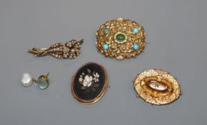 A George IV yellow metal and turquoise set mourning brooch, a pietra dura brooch, a yellow metal and