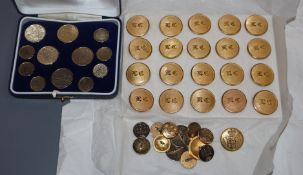 A set of 20 Leander Rowing Club gilt buttons, a cased set of Henley Royal Regatta buttons and 13