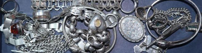 Assorted white metal jewellery including locket on chain and a large round link bracelet with