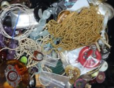 Assorted costume jewellery, including an Art Deco marcasite brooch.