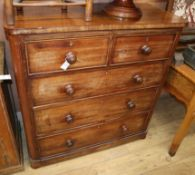 A Victorian mahogany chest of drawers W.104cm