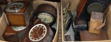 A quantity of mantel clocks, wall clocks, a cased carriage clock etc.