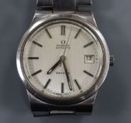 A gentleman's stainless steel Omega automatic wrist watch, on Omega bracelet.