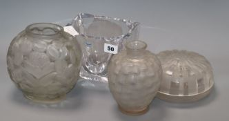 Two Lalique style vases, a lidded jar and a dish tallest 17cm