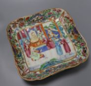 A Chinese famille rose square dish length 28cm