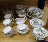 An Aynsley Pembroke pattern tea service, comprising cake plate, milk jug, oval sucrier and cover,
