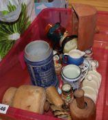 A quantity of mixed ceramics and treen