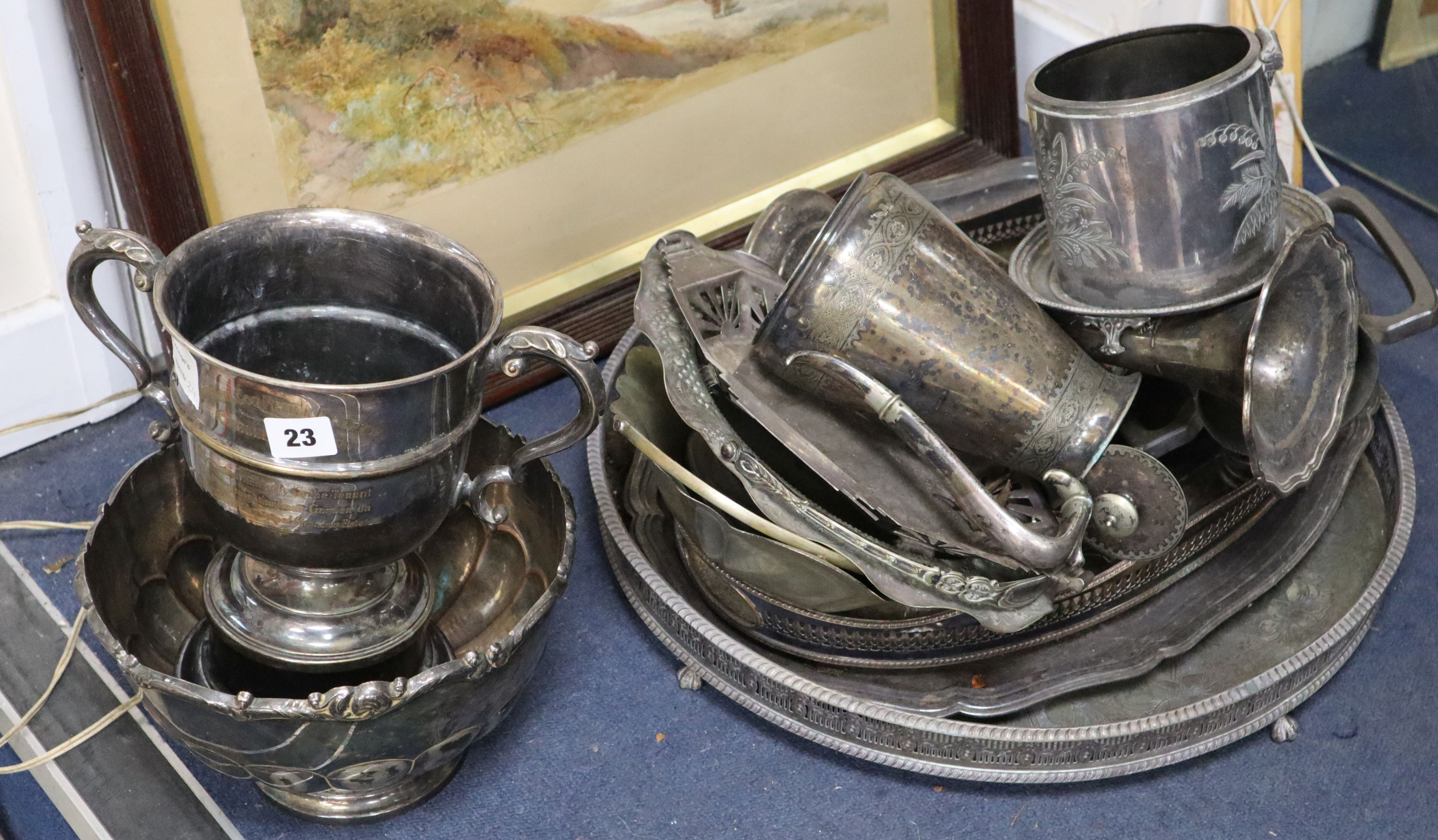 Lot 23 - A quantity of plated wares