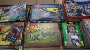 Citadel Miniatures: quantity of plastic and white metal Warhammer Fantasy and Warhammer 40,000