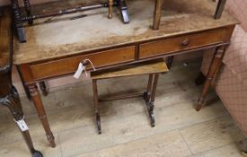 A Victorian mahogany side table (loose top) W.107cm