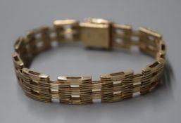 A 1960's 9ct gold gatelink bracelet, 28 grams.