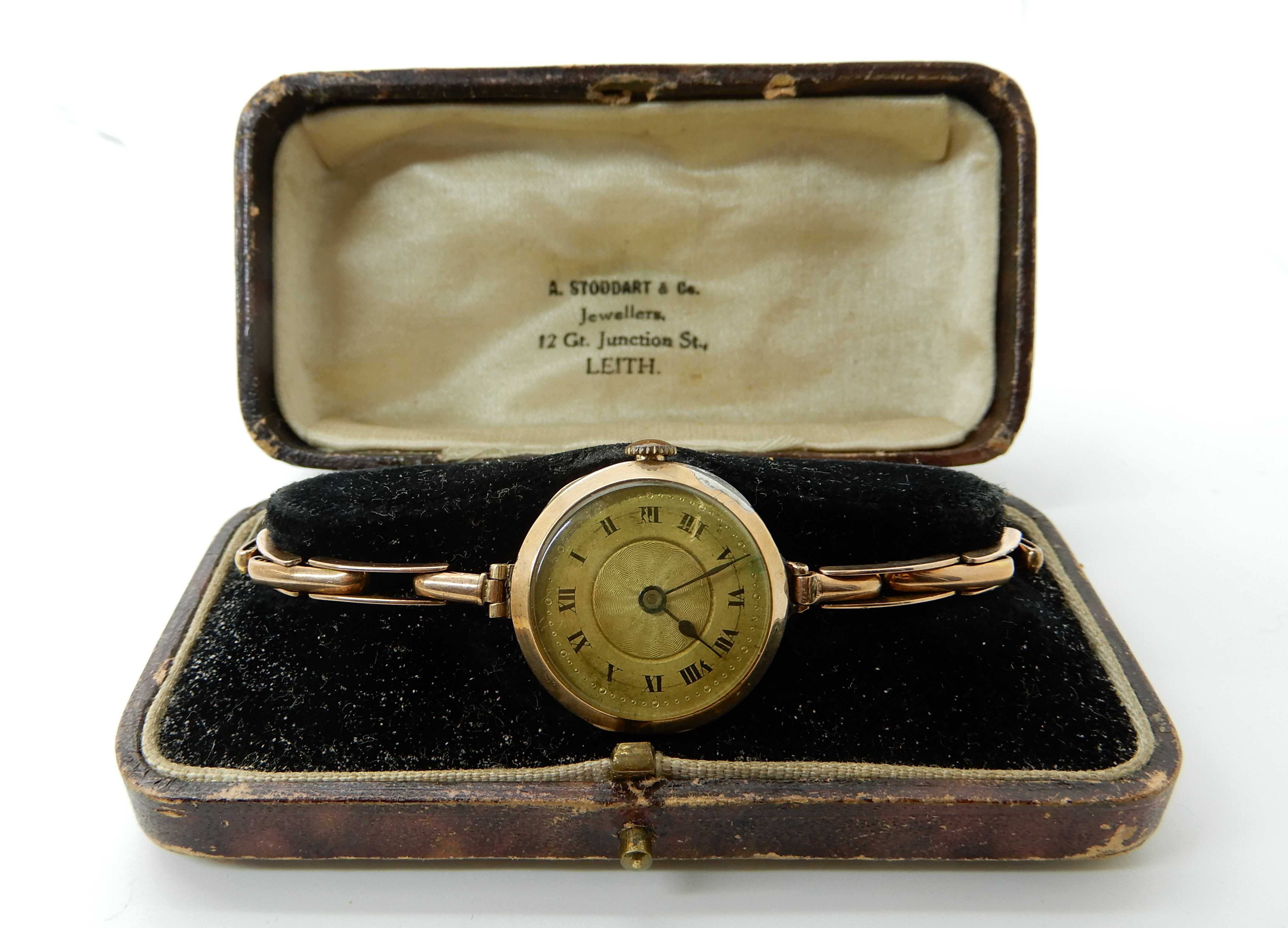 Lot 45 - A 9ct gold ladies vintage watch, weight including mechanism 17.3gms Condition Report: Available upon