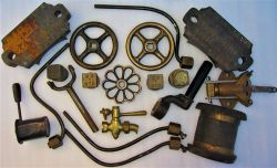 A sundry Lot containing various loco fittings to include brass injector handles, copper piping,