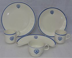 6 x pieces of Rhodesian Railway dining ware with blue pattern and Railway crest.