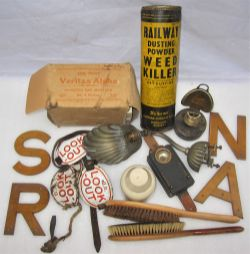 A sundry lot containing various items inclusive of a carriage electric light fitting. A box of