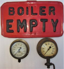 A lot containing 3 x loco items. Two steam pressure gauges 0-100 psi and 0-250 psi together with a