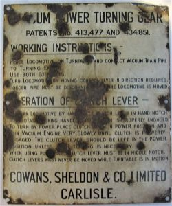 Enamel vacuum power turn table sign. Working instructions to operate the power turning gear made