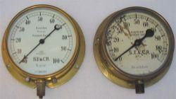 2 x SE&CR pressure gauges. Both 0-100 psi made by BOURDON.