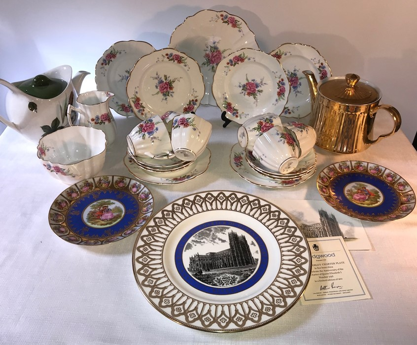 Lot 31 - Victoria bone china tea service, six place setting together with Royal Worcester teapot, mid