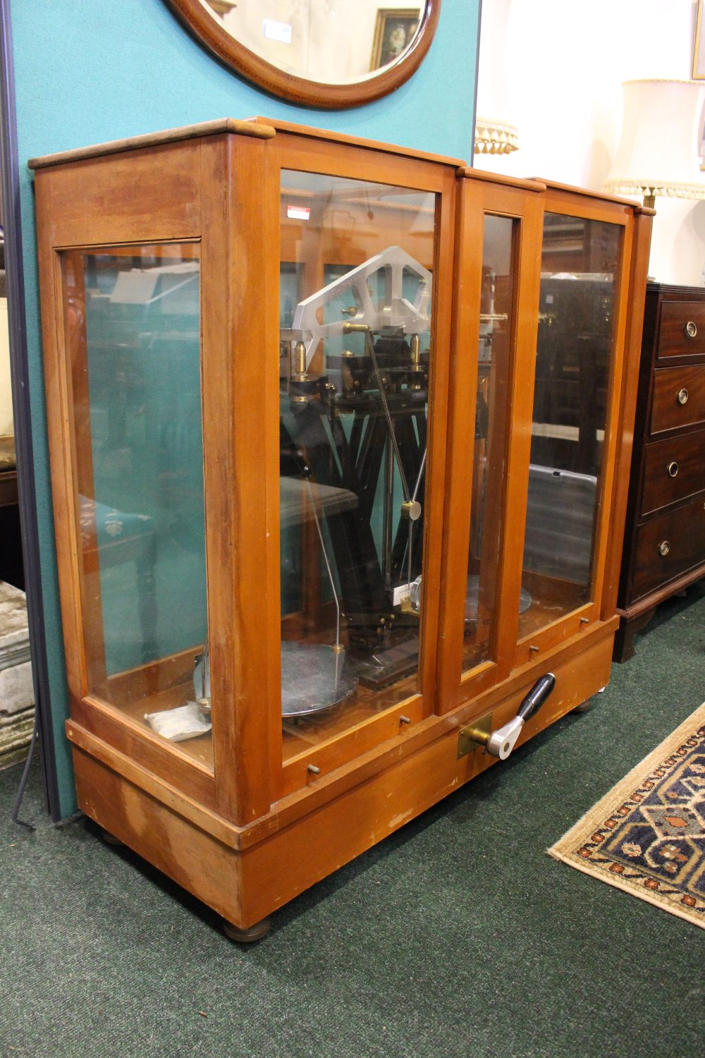 Lot 410 - AVERY LARGE CASED SET OF STANTON INSTRUMENTS LTD BEAM SCALES, cabinet of wood and glass, two sliding