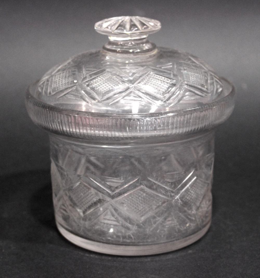 Lot 31 - A 19TH CENTURY IRISH CUT GLASS PRESERVE JAR WITH LID, circa 1820, decoration of crosshatch design