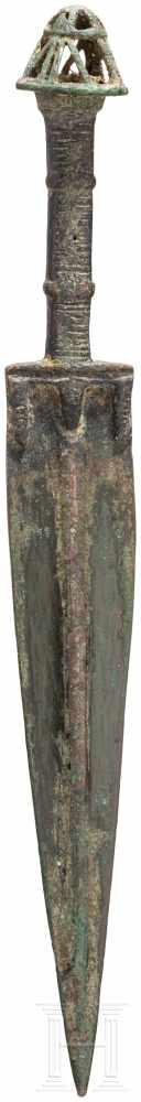 Lot 1614 - Bronzedolch, Luristan - iranisch, Ende 2. - frühes 1. Jtsd. v. Chr.Spitz nach unten zulaufende