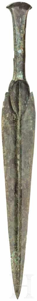 Lot 1616 - Randleistendolch, Luristan, 11. - 10. Jhdt. v. Chr.Lange, leicht gebauchte Klinge mit starkem