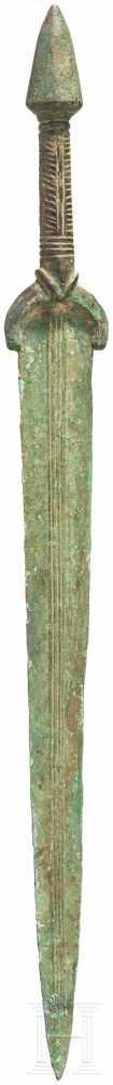 Lot 1611 - Vollgriffschwert mit konischem Knauf, Luristan, spätes 2. Jtsd. v. Chr.Bronzevollgriffschwert mit