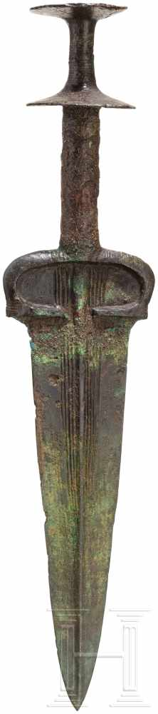 Lot 1612 - Bronzedolch mit Scheibenknauf, Nordiran - Luristan, um 1000 v. Chr.Klinge und Griff separat