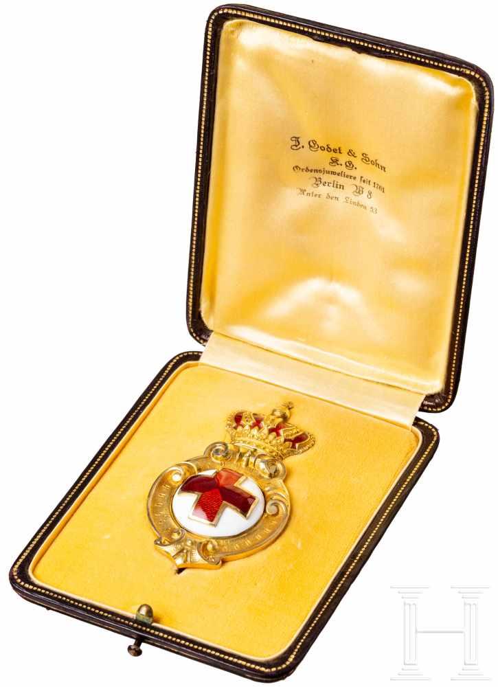 Lot 3856 - Hervorragend gefertigtes bulgarisches Ehrenzeichen der Rot-Kreuz-Gesellschaft in GoldRot-Kreuz-