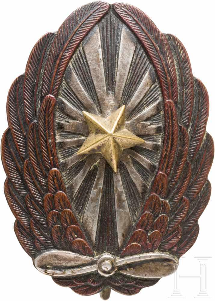 Lot 3871 - Fliegerabzeichen für Unteroffiziere der Armee, 2. WeltkriegSilber, Buntmetall, schauseitig ein