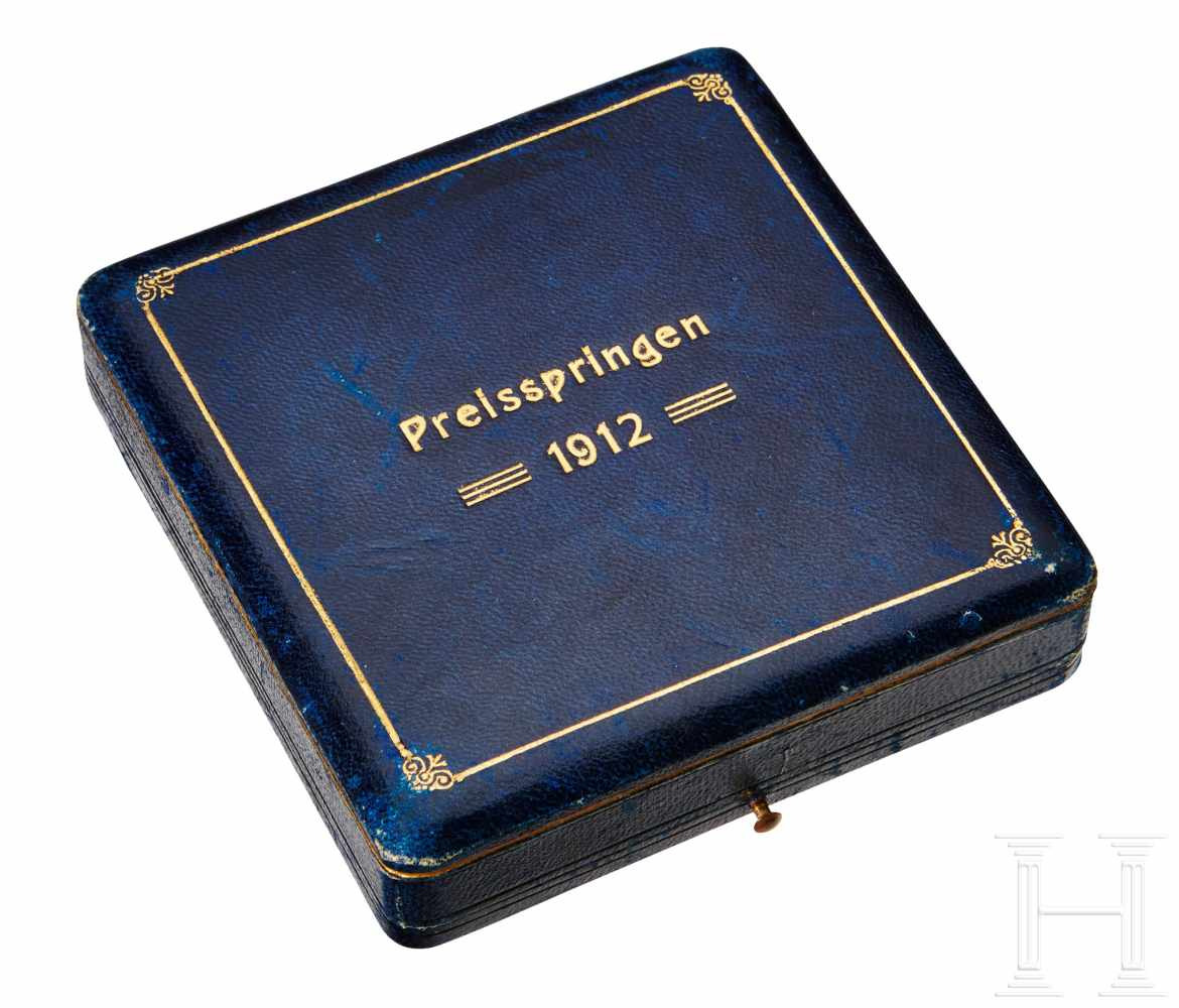 Lot 4272 - A Silver Trophy Cigarette Case for Horse JumpingSmooth finished silver case, rounded edges, blue
