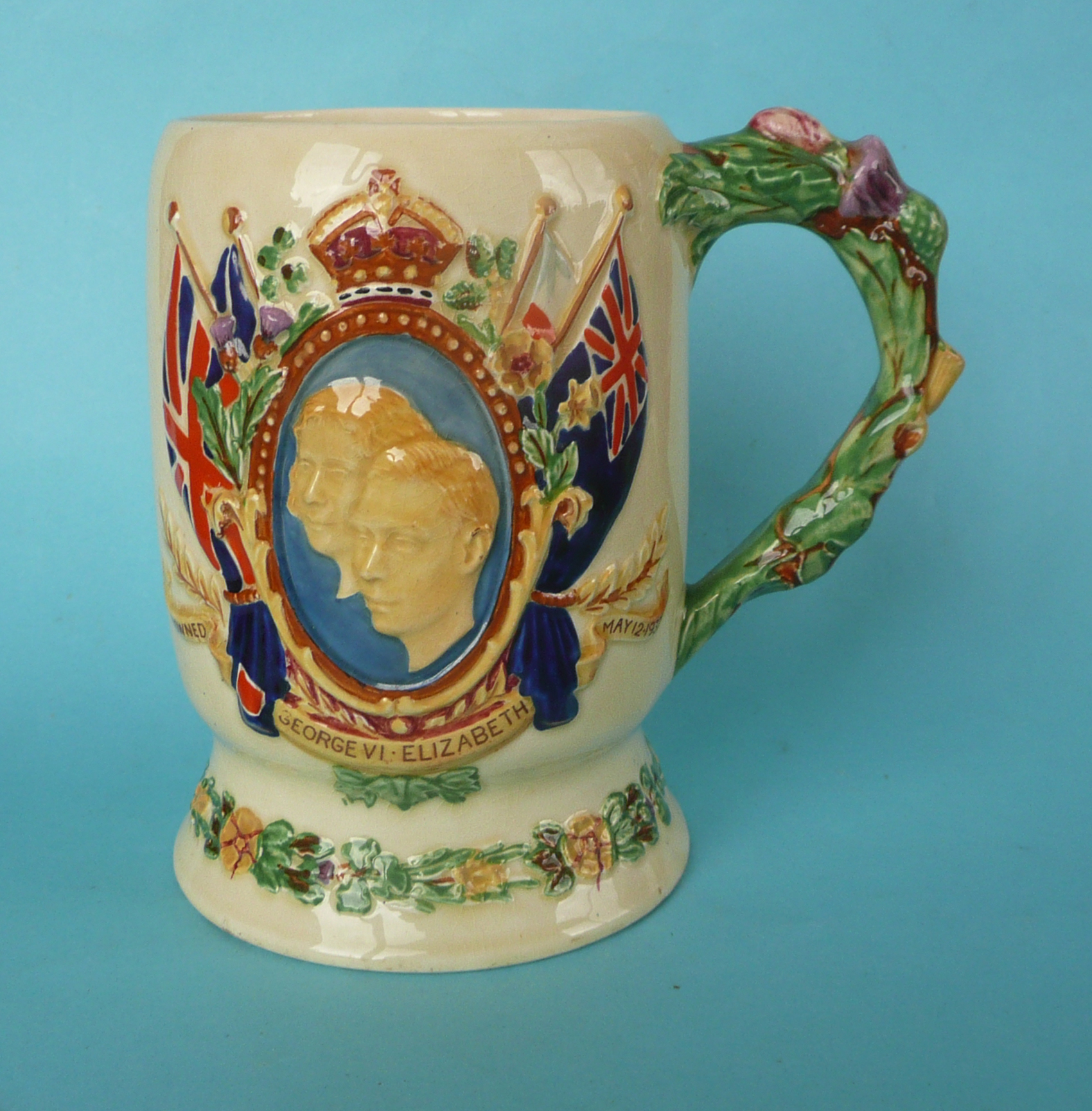 Lot 8 - A good Crown Devon George VI coronation musical mug to play The National Anthem, 158mm, working