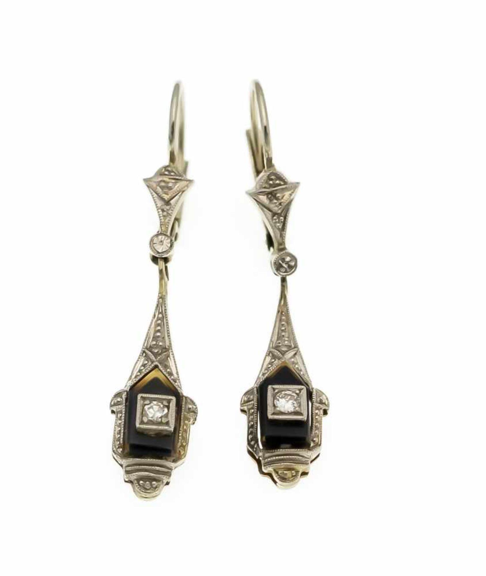 Los 15 - Art Déco Ohrringe WG 585/000 mit 2 Onyx-Platten 7,5 mm, ein Brillant und ein Diamant, zus.0,05 ct...