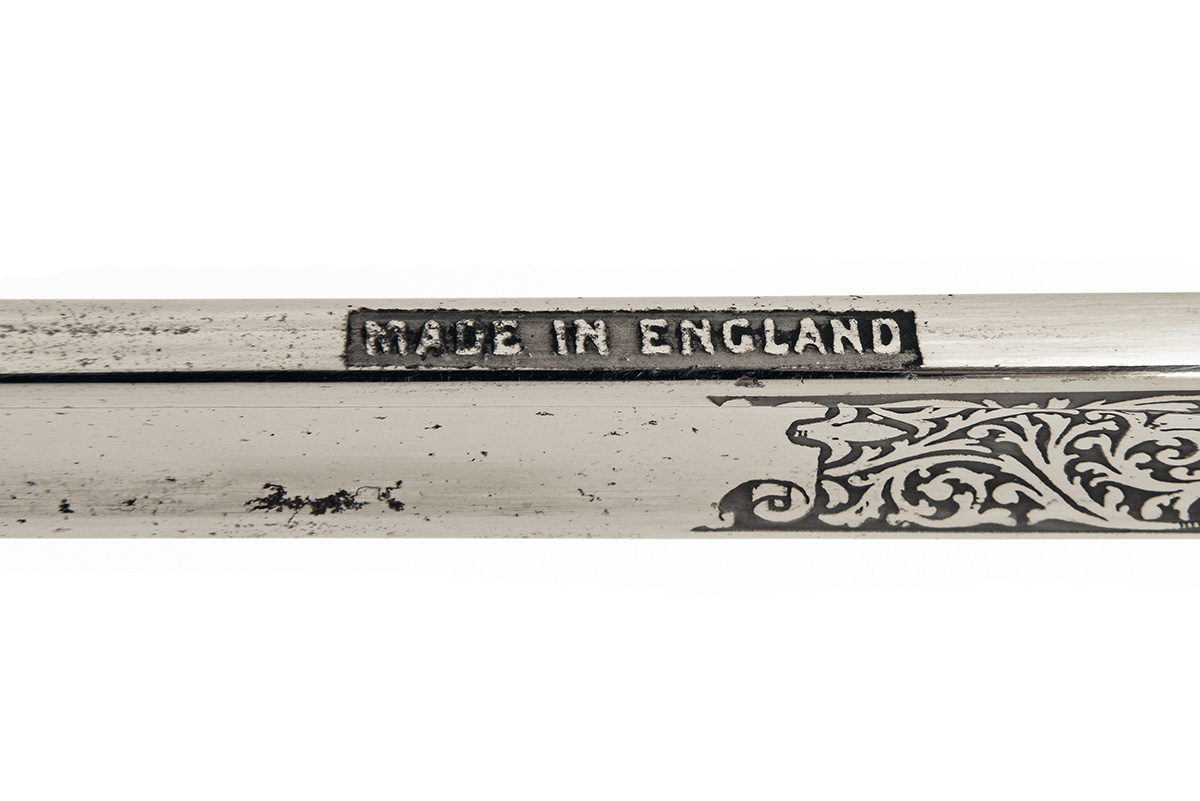 Lot 202 - A BRITISH ROYAL SIGNAL CORPS OFFICER'S PATTERN 1897 SWORD IN FIELD SCABBARD, UNSIGNED, World War Two