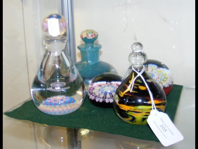 Lot 205 - A millefiori scent bottle with stopper, together w
