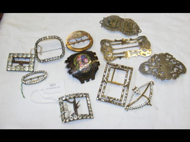 Lot 521 - A selection of Victorian and earlier buckles