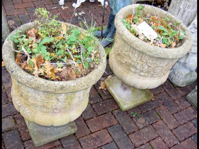 Lot 11 - A pair of garden urns