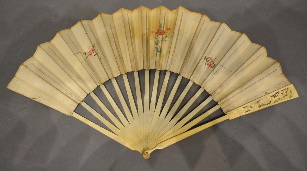 Lot 323 - An Early 18th Century English Skin and Ivory Fan, hand painted with a central cartouche depicting