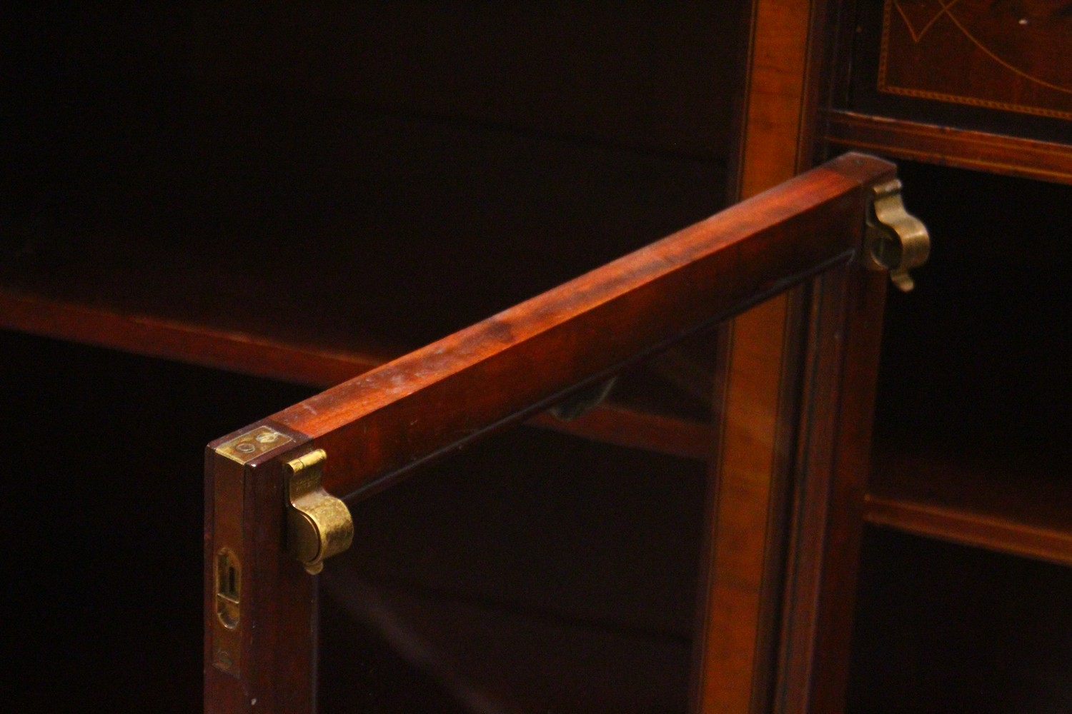 Lot 1018 - A GOOD EDWARDIAN MAHOGANY INLAID STANDING CUPBOARD, with two tier top, central single drawer over